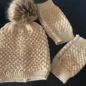 ⚡️SALE⚡️ Hat with Pom Pom and Mitts / Gloves Set